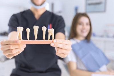 Hogyan történik a régi fogkorona levétele?